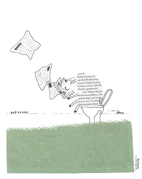 Auf einer Deichkrone sitzt ein Schaf auf einer Toilettenschüssel und liest eine Zeitung, deren Blätter vom Wind nach links aus dem Bild geweht werden. Der Blick öffnet sich auf das Meer. Am Horizont sieht man links kleine Strukturen, die ein Windpark sein könnten. Rechts fährt ein kleiner Dampfer aus dem Bild.